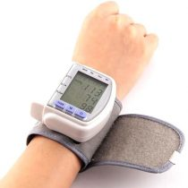 Digitális vérnyomásmérő (Csuklóra)